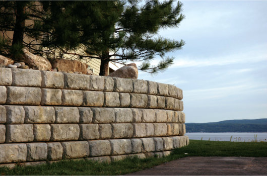 Redi-Rock_Retaining_Wall_Redi-Wall_Brighton