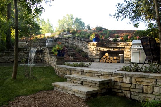 Redi-Scape_backyard_cooking-garden-freestanding_wall-with-water