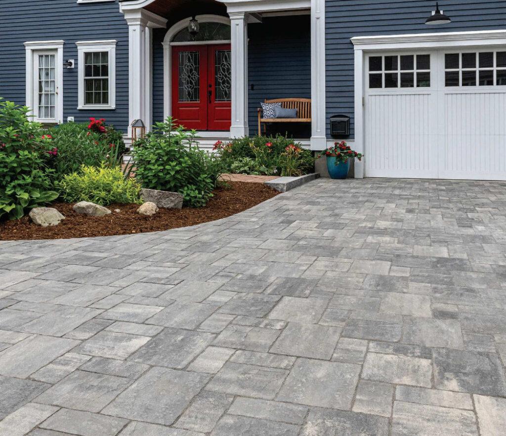 Unilock_CLASSIC_Westport_driveway_pavers
